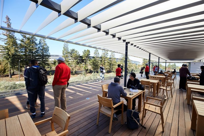visitorscenterterraceapplepark-800x535.jpg