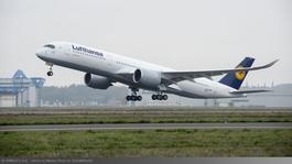 Airbus A350-es gép látogat a budapesti reptérre