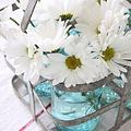 Vasárnapi asztal kertből virágokkal