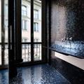 Szokatlan mosdókagyló mozaikból