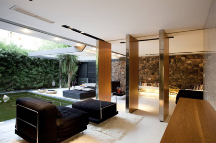Cool-Living-Space-Design-in-Modern-Residence-at-Golf-in-Glyfada-by-314-Architecture-Studio-700x466.jpg
