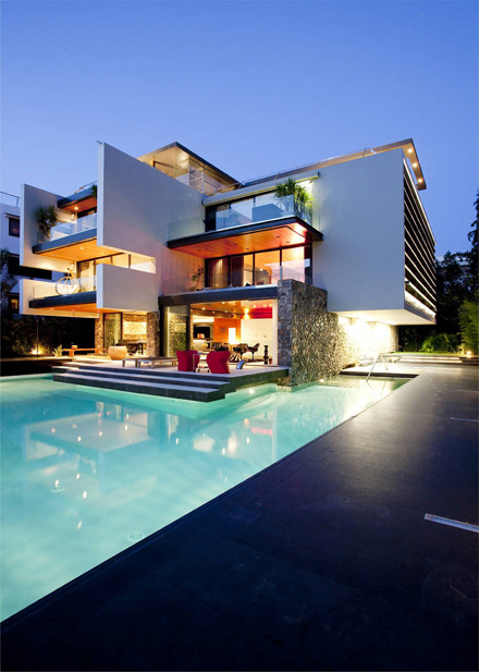 Modern-Residence-at-Golf-in-Glyfada-Design-by-314-Architecture-Studio.jpg