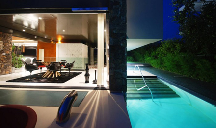 Outdoor-Exterior-Ideas-at-Modern-Residence-at-Golf-in-Glyfada-by-314-Architecture-Studio-700x417.jpg