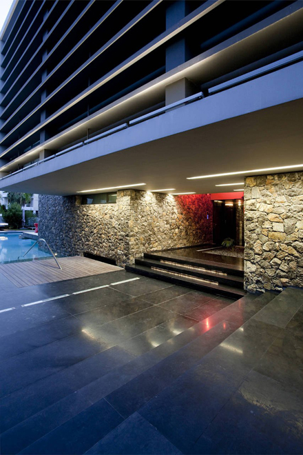 Stone-Wall-Ideas-in-Modern-Residence-at-Golf-in-Glyfada-by-314-Architecture-Studio.jpg