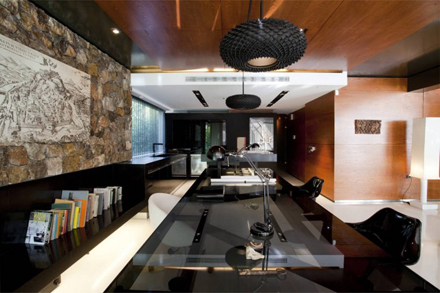 Workspace-Design-in-Modern-Residence-at-Golf-in-Glyfada-by-314-Architecture-Studio-700x466.jpg