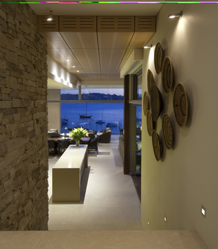 Wall-Interior-Ideas-at-Modern-Waterfront-House-Design-by-Bruce-Stafford-Architects.jpg