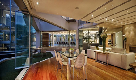 Amazing-Room-Interior-Ideas-at-Impressive-Glass-House-in-Johannesburg-South-Africa-700x413.jpg