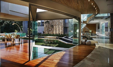 Cool-Room-Layout-Ideas-at-Impressive-Glass-House-in-Johannesburg-South-Africa-700x413.jpg