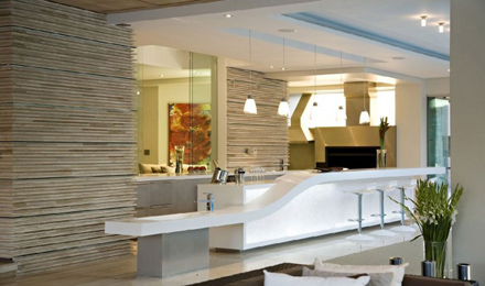 Home-Bar-Interior-at-Impressive-Glass-House-in-Johannesburg-South-Africa-700x413.jpg