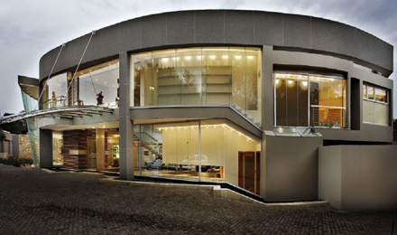 Impressive-Glass-House-Design-in-Johannesburg-South-Africa-700x413.jpg