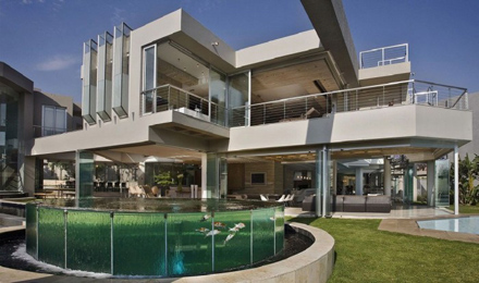 Wonderful-Exterior-Design-at-Impressive-Glass-House-in-Johannesburg-South-Africa-700x413.jpg