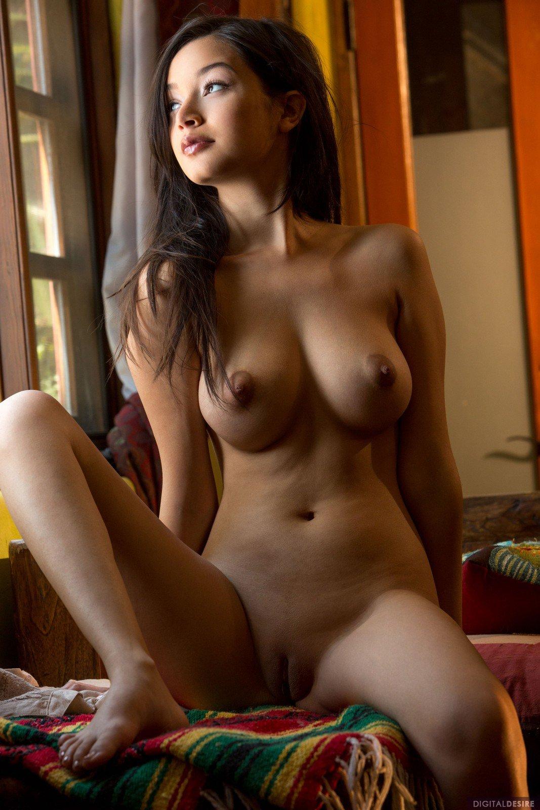 eden-arya-huge-boobs-by-digital-desire-12.jpg