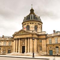 A Francia Tudományos Akadémia illetékes bizottsága a megújulós mítoszok és téveszmék helyett a fizikai törvényeken alapuló energiapolitikai vitát sürget