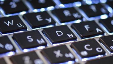 Századvég-akták II. - Tartottak az internetcenzúra bevezetésétől, de azért megcsinálták