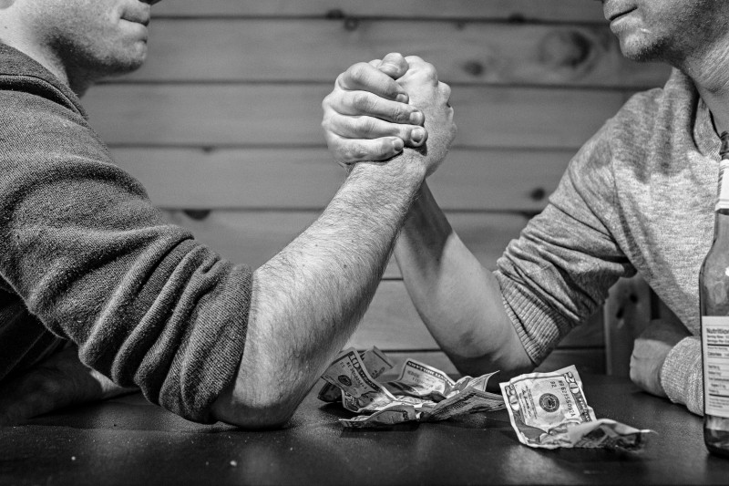 competition-in-arm-wrestling-bw_1.jpg