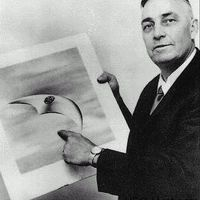 1954. – Eisenhover titkos paktuma