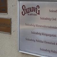 Ajándék könyvcsomagok a Századvégtől a határontúli magyaroknak