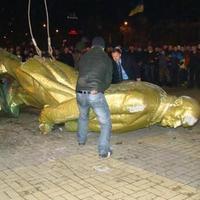 Lemondott Janukovics? Ünnepelnek a tüntetők – FRISSÍTJÜK