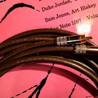 Két mikrofon(kábel) - Belden 8412 és 8402
