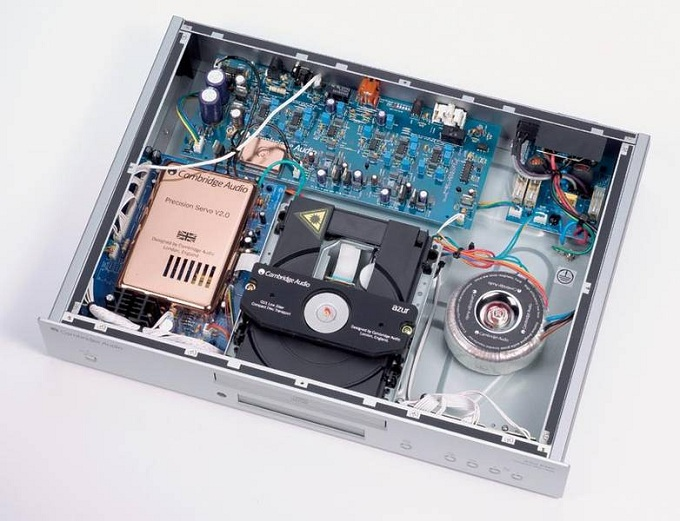 cambridge-audio-azur-640c-inside.jpg