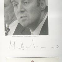 Milo Djukanovic autogramja