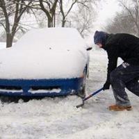 Aktuális: Havas, sáros úton elakadt autó mentése