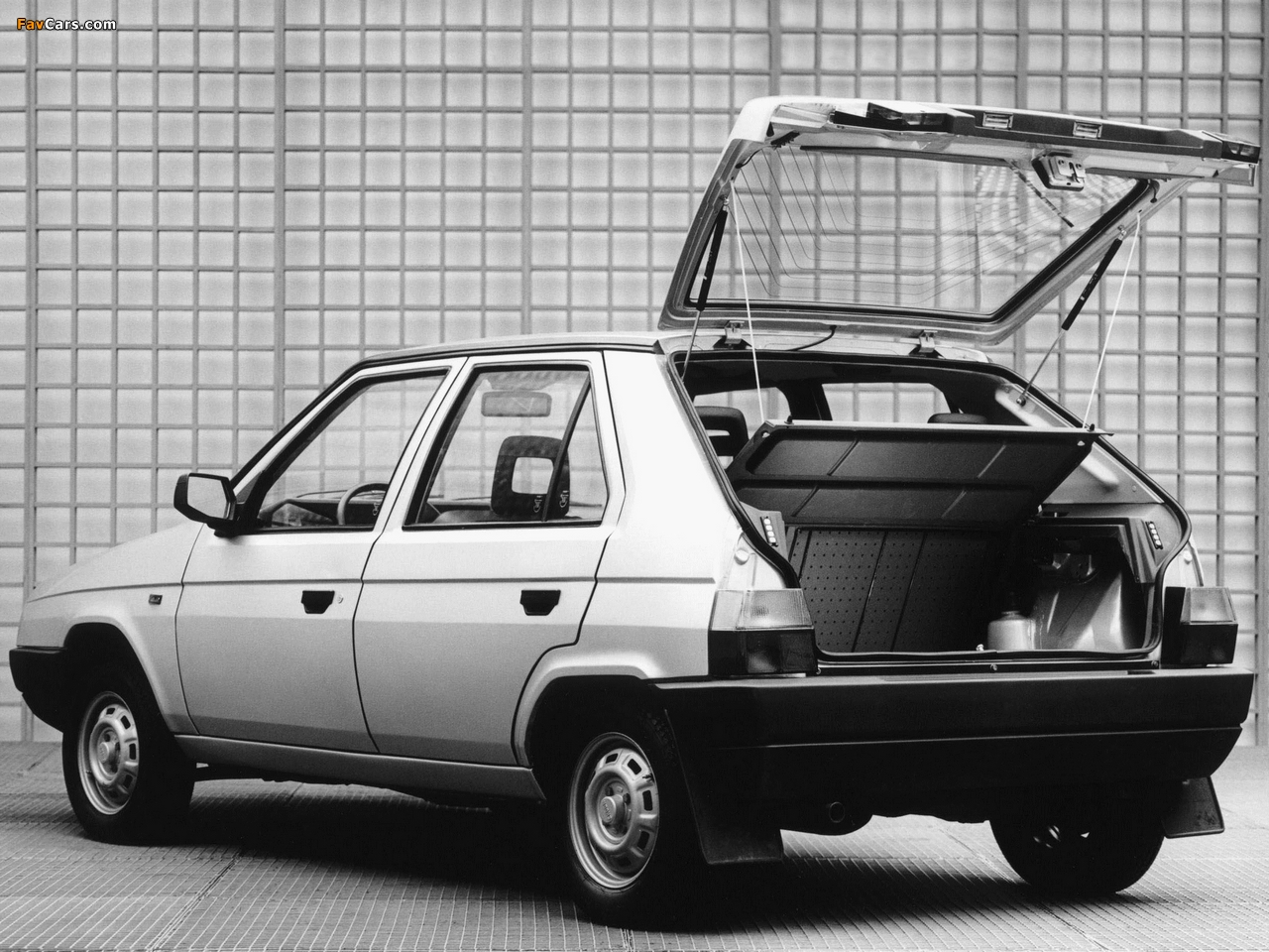 skoda_favorit_1987_photos_1.jpg