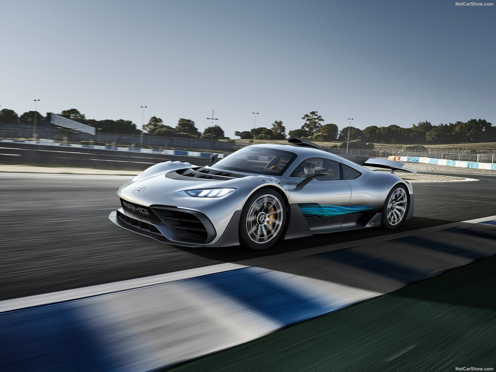 7_mercedes-benz-amg_project_one_concept-2017-1600-01.jpg