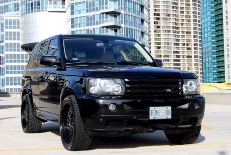 blacked_out_rover_by_shinetrue-d4sltaf.jpg