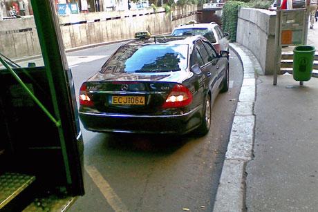 http://m.blog.hu/au/autozz/image/busz-vs-taxi3.jpg
