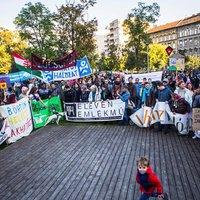 Mindenkinek laknia kell valahol! Közel ezer ember vonult fel a lakhatáshoz való jogért Budapesten