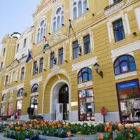 A rászorulók fogják kifizetni Pécs adósságát?
