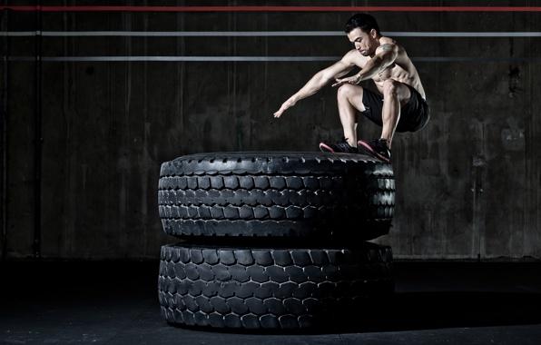 crossfit-workout-men.jpg