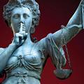 A kormánynak mindent szabad, és ha ez nem tetszik, áruló vagy