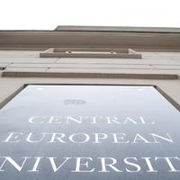 A CEU számokban - Magyarország legjobb egyetemét nyírja ki éppen a Fidesz
