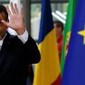 A németek örülnek, hogy Macron helyettük is a visegrádiak orrára koppintott