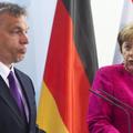 Orbán a német választások miatt sorra nyeli le a békát Merkeltől