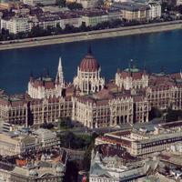 A  Duna mentén a korrupció és a fékek és ellensúlyok felszámolása megrendíti a jogállamot