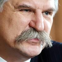 Kövér teljesen elborult: szerinte a Nyugat = a sztálini Szovjetunió