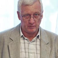 """""""Ez nem hatalommal való visszaélés, hanem zaklatás és erőszak"""": évek óta tartotta rettegésben Mikonya György dékán a kollégáit"""