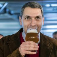 Bedőlt Semjénék terve: senki se issza a fideszes sört