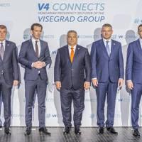 Valami nagyon különös dolog történt Orbán Viktor nadrágjával