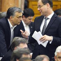 Látszik, hogy mekkora a baj: Navracsicsot is vissza kellett csábítani a Fideszhez, hogy ne zárja el a pénzt az Unió