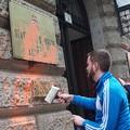 Gulyás Mártonék narancssárgára festették az ÁSZ épületét