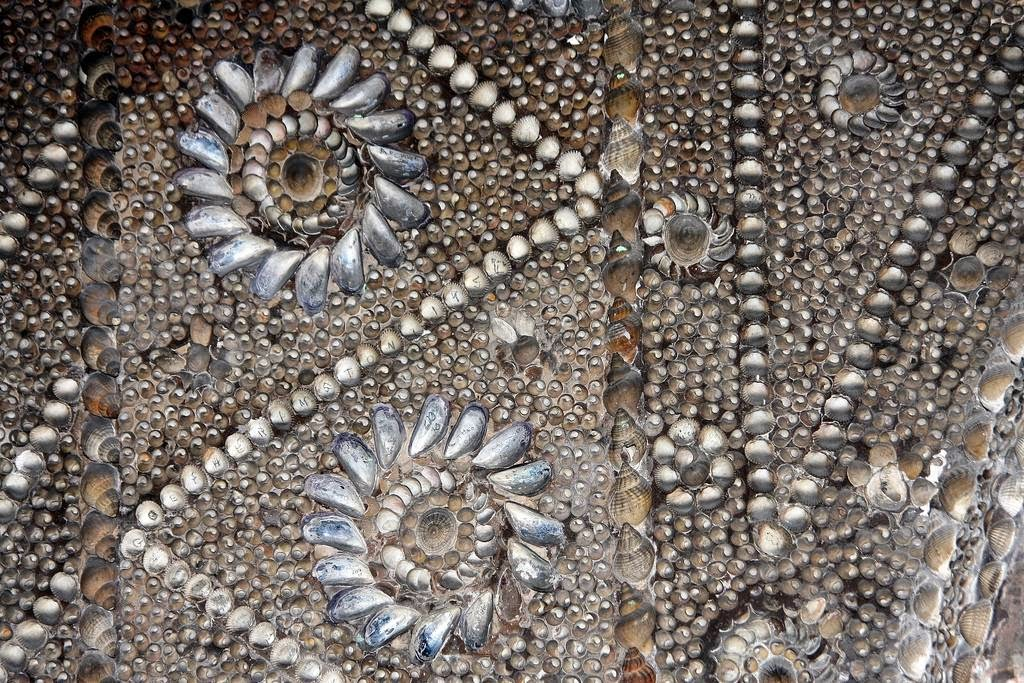 margate_shell_grotto_16.jpg