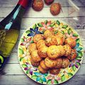 Kolbászos pogácsa/Scones with sausage #pogácsa #kolbász #kolbászospogácsa #feind #irsaioliver #mutimitsütsz #mutimiteszel #mutimitiszol #mik #mik_gasztro #scones #sausage #whitewine #homemade #homebaked #pastry #pastrychef #foodporn #foodlover #fooddesign #foodstagram #instafood #instagood #bakeyoursmile #patakikerámia