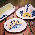 Lavender-blueberry cake/levendulás-áfonyás őzgerinc #lavender #blueberry #lemon #cake #instafood #instagood #foodstagram #foodporn #foodlover #fooddesign #pastry #pastrychef #instahun #levendula #áfonya #őzgerinc #mutimiteszel #mutimitsütsz #mik #mik_gasztro #patakikerámia