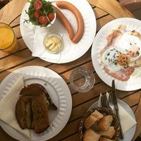 Sunday brunch #sunday #funday #breakfast #brunch #grilledcheesesandwich #hamandeggs #sausage #orangejuice #yummy #delicious #instafood #foodporn #foodinspiration #foodlover #mik #mik_gasztro #mutimiteszel #mutimitiszol