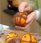 Illatosító narancsból és szegfűszegből