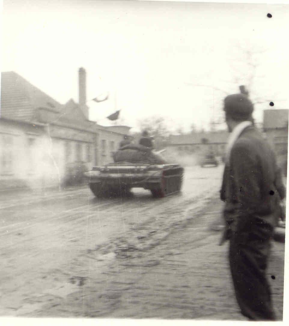057_szovjet_t-54_tipusu_pancelos_tatabanyan.jpg